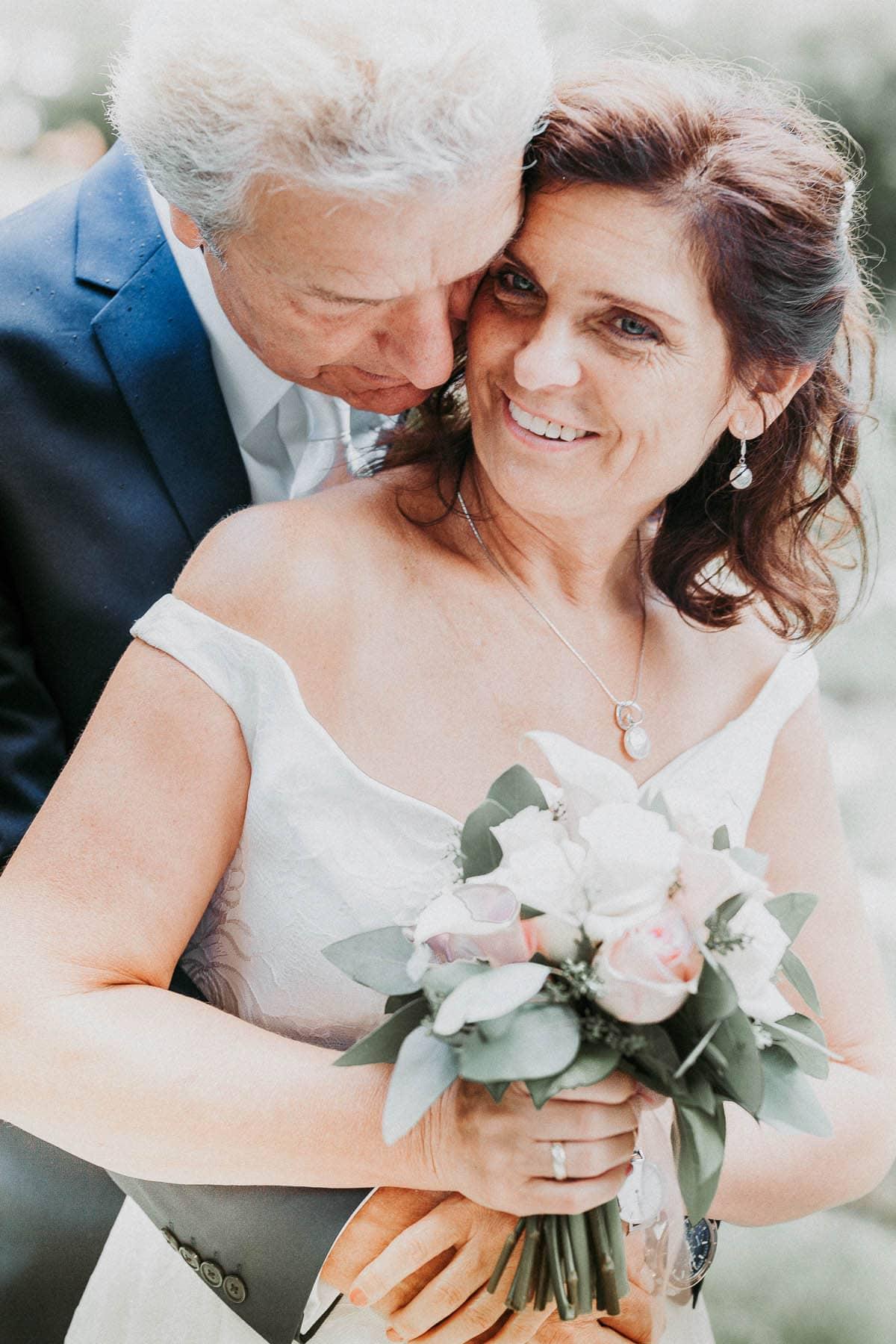 Bad Sauerbrunn Rosarium Braut Bräutigam Hochzeitsfotos Hochzeitsfotografie Fotograf Mattersburg