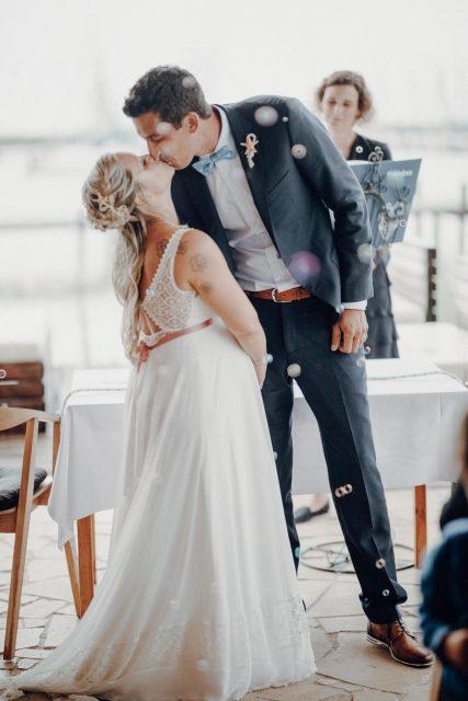 Hochzeitsfotograf, Burgenland, Neusiedl, Jois, Neusiedler See, Hochzeitsfeier, Fotograf, Vintage, Seejungfrau, Trauung, Hochzeitskuss