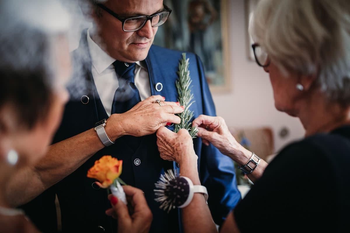 Getting Ready, Neudorf, Burgenland, kroatisch, Hochzeitsbilder, Hochzeitsfotos, Roman Huditsch, Traditionell
